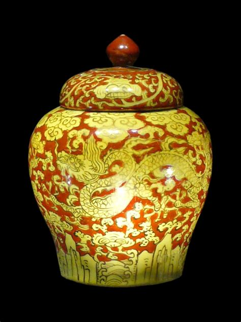 Wade Vases Antiques Antique Chinese Porcelain Collectors Page Ming Dynasty