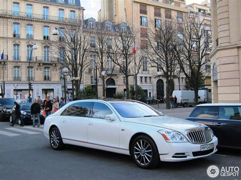 how to learn about cars 2011 maybach landaulet seat position control 2011 maybach landaulet information and photos momentcar