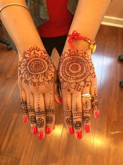 henna tattoos waxing vibrant beauty salon