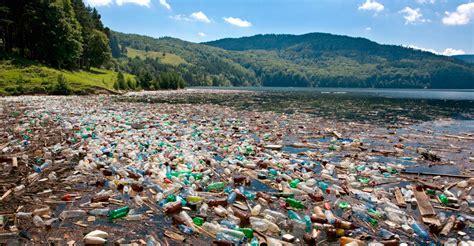 testo sull inquinamento mar mediterraneo o mare di plastica l inquinamento marino