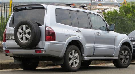 mitsubishi pajero 2004 file 2004 mitsubishi pajero np exceed wagon 2012 10 26