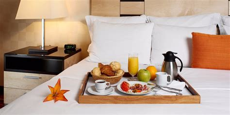 hotels with room service things i about working room service business insider
