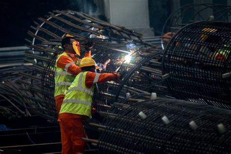 proyek kereta cepat ditargetkan capai  persen