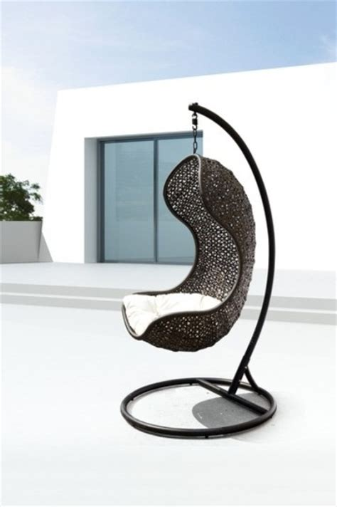 hanging outdoor chairs 33 awesome outdoor hanging chairs digsdigs