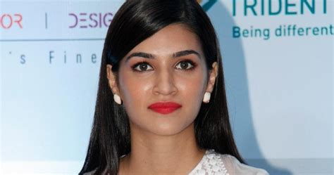 hindi picture heroine ke sath high quality bollywood celebrity pictures kriti sanon