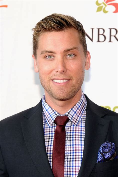 very short hair ut with side part lance bass looks stylebistro