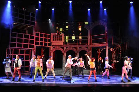 imagenes comedia musical 40 el musical hizo vibrar a un teatro municipal lleno