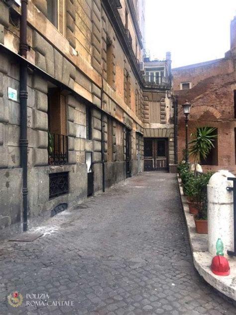 veranda abusiva roma rimossa la veranda abusiva sui fori della taverna