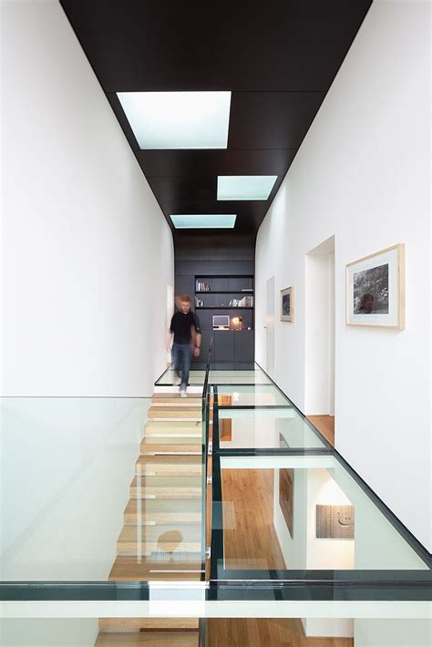 Glass Floor House by 25 Best Ideas About Glass Floor On Pool