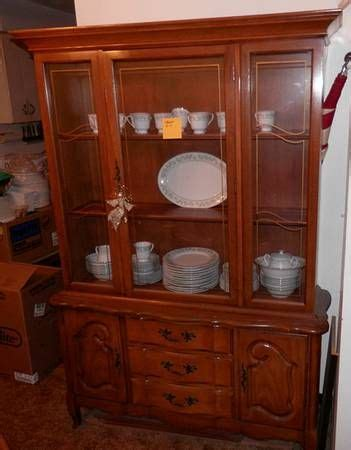 gettysburg furniture company china cabinet 36 best images about pieces i am looking for on pinterest