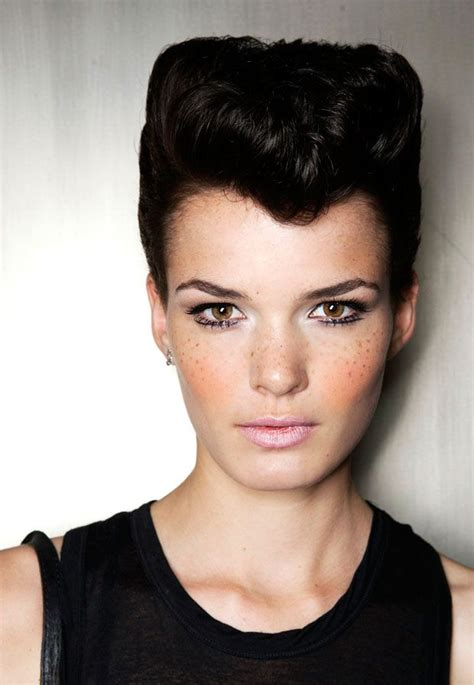 hairstyles for short hair quiff 39 best rockabilly hairstyles images on pinterest