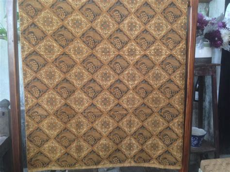 Batik Tulis Lawasan Usia Lebih Dari 50 Tahun 1 seragam batik sarimbit baik dengan lawasan maupun modern
