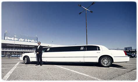 Boat Light Stretch Lincoln Limousine Town Car 120 Prague Airport