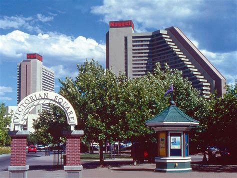 Ascuaga S Nugget Reno Reno Casinos View Of Square To Include The Arch Entrance Way