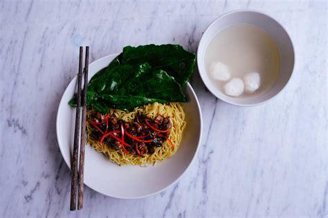 mie ayam jamur mushroom chicken noodle indonesian food mie ayam jamur indonesian chicken mushroom noodles