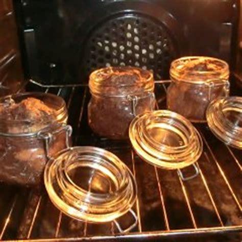 kuchen im weckglas backen kuchen im glas backen f 252 r kinder zur osterzeit im kidsweb de