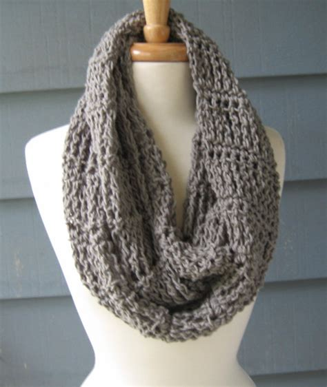 crochet infinity scarf we how to do it