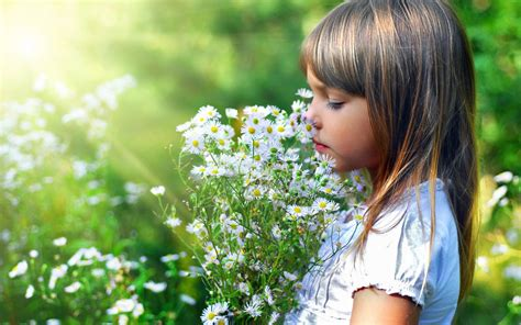 Wallpaper Flower Girl | girls with flowers wallpapers hd pictures one hd