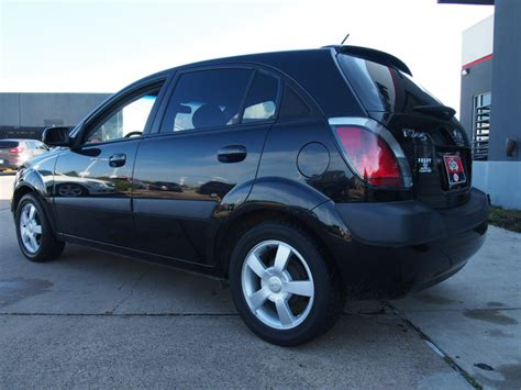 Kia Hatchback 2006 Kia Rio5 2006 Black Hatchback Sx Gasoline 4 Cylinders
