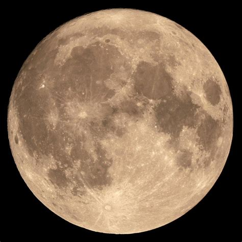 The Moon Looked supermoon why does the moon look bigger sometimes 187 science abc