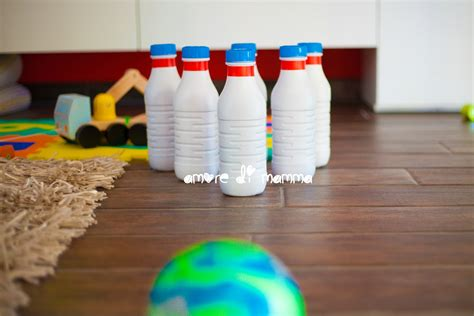 giochi in casa bowling gioco in casa a costo zero lavoretto per bambini