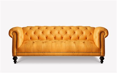 my new crush chesterfield sofas techmomogy home the wright tufted seat chesterfield of iron oak