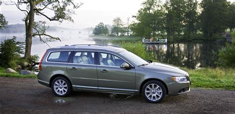 volvo recalling thousands of s80 v70 and xc70 models