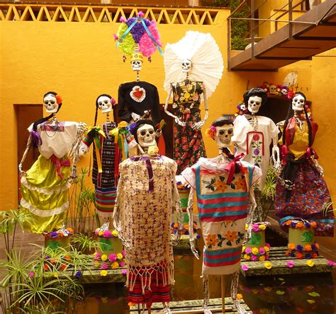 Day Of The day of the dead in oaxaca a day by day guide mexico retold