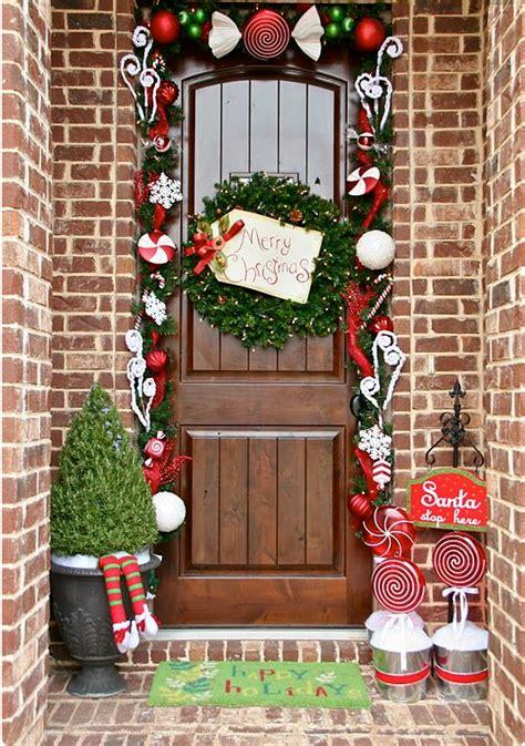 addobbi natalizi per porte stile shabby come addobbare le porte per natale