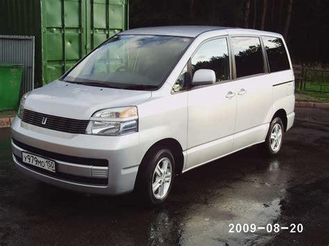 Toyota Naoh 2002 Toyota Noah Images 2000cc Gasoline Automatic For Sale