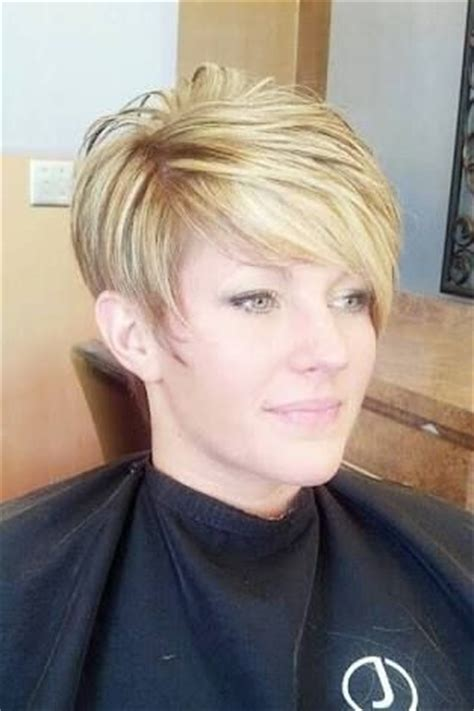 practical and easy care hairstyles for women in their forties 25 best ideas about short asymmetrical hairstyles on