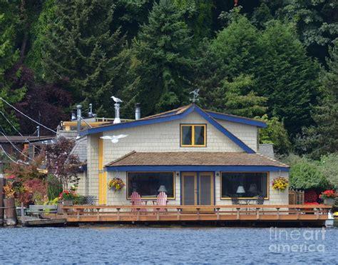 sleepless in seattle houseboat sleepless in seattle photograph by sue rosen