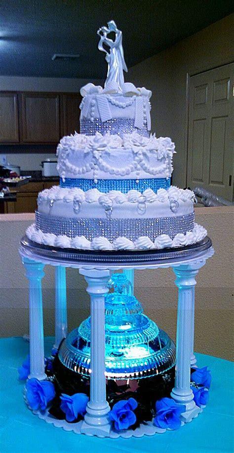 Wedding Cakes With Fountains by Oltre 1000 Idee Su Torte Nuziali Color Acqua Su