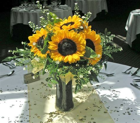 Bright and beautiful sunflower arrangement   Lindsey