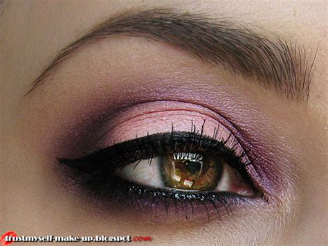 eyeshadow tutorial plum smoky plum eye makeup tutorial amazingmakeups com