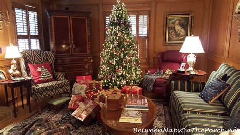 red and green living room traditional christmas decorating in red and green with