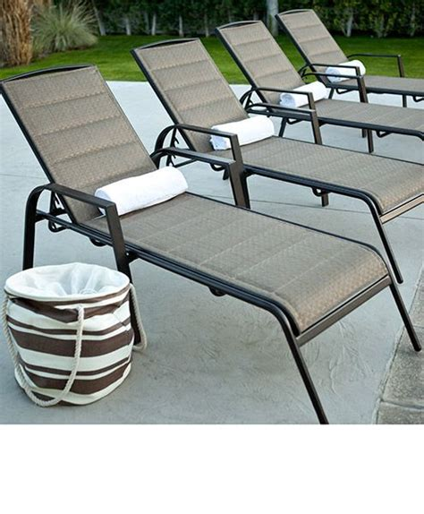 Lounge Chairs For The Pool by Best 25 Pool Lounge Chairs Ideas On