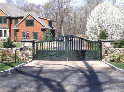 farmhouse ranch wooden driveway gates tri state gate