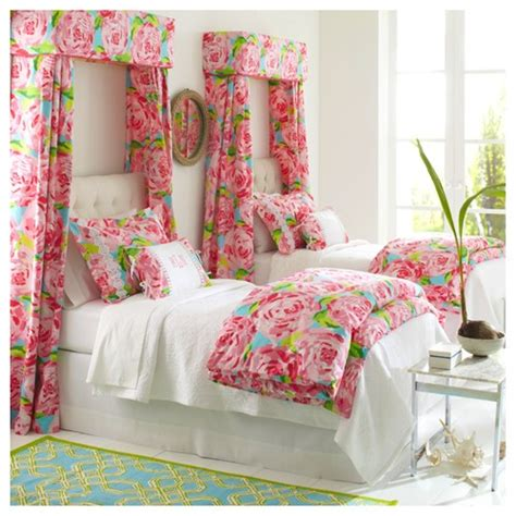 lilly pulitzer bedding sale lilly pulitzer hotty pink bedding wall color help