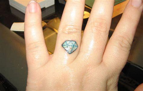 diamond tattoo ring finger diamond ring finger tattoo