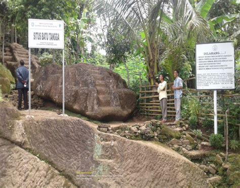 situs batu tangga    kabupaten situbondo jawa