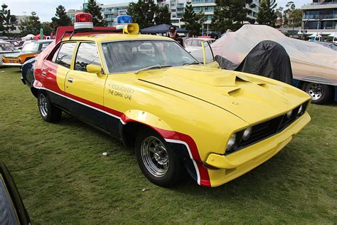 cortina floor l 72 file 1973 76 xb falcon sedan mad max jpg wikimedia commons