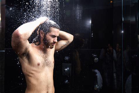 cutting wet hair in the shower top hair washing hacks monat global