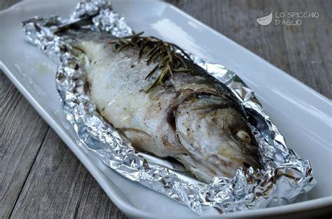 cucinare il branzino al cartoccio ricetta branzino al cartoccio le ricette dello