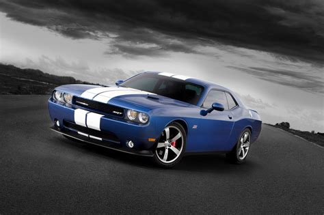 the challenger 2013 2013 dodge challenger pictures information and specs
