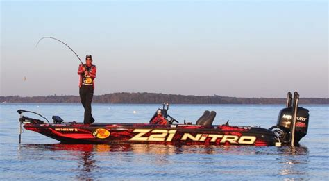nitro boats z21 elite inside elite boats kevin vandam s nitro z21 bassmaster