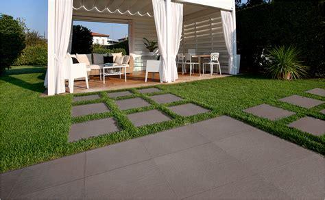 terrasse feinsteinzeug terrassenbel 228 ge aus feinsteinzeug hornbach