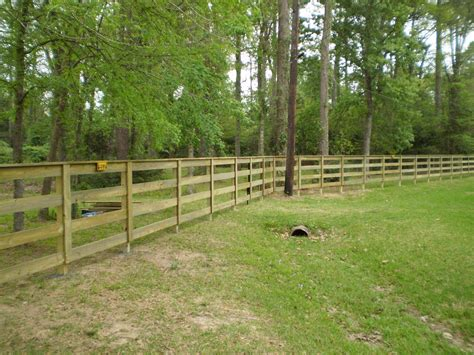 fences on wire fence fence and wood fences wire fence four board fence search landscaping wire fence