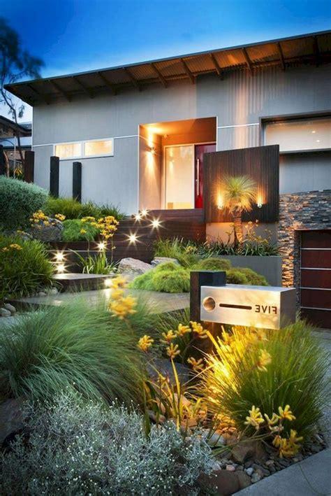 modern urban front yard garden  lighting ideas