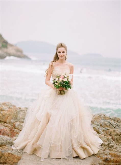 11 best wedding photography images on pinterest wedding beach wedding dresses ideas 1 fab mood wedding colours